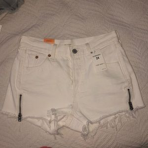 Levi's white 501